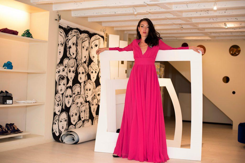 stylist Dhela, Daniella Helayel, brand Issa